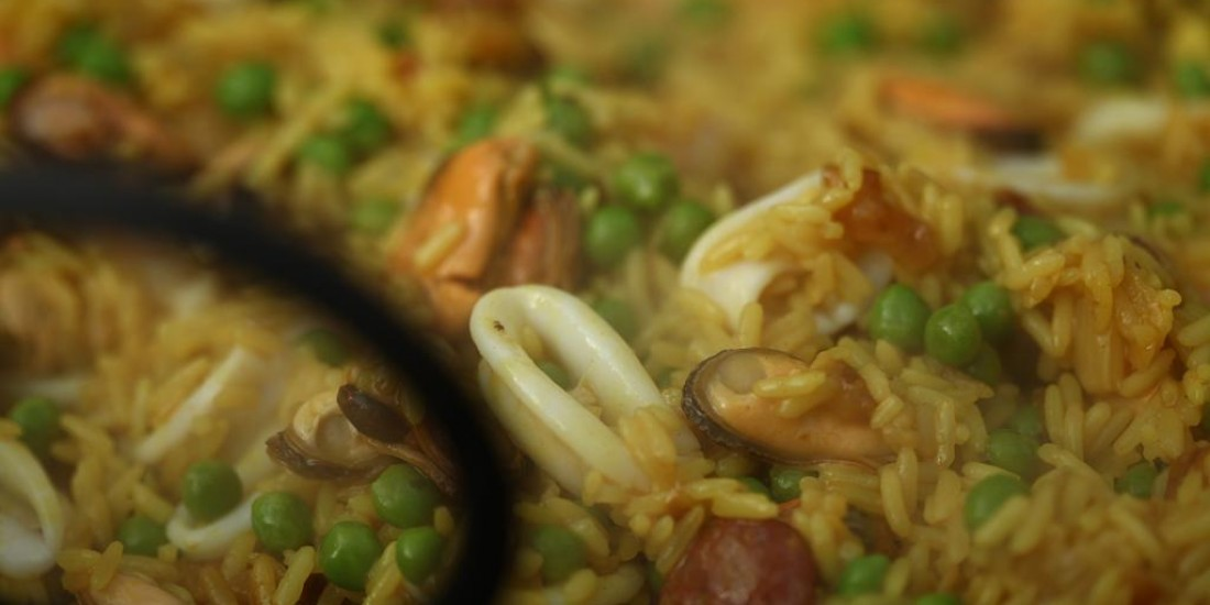 images/recipes/seafood-paella/IMG_9554.JPG